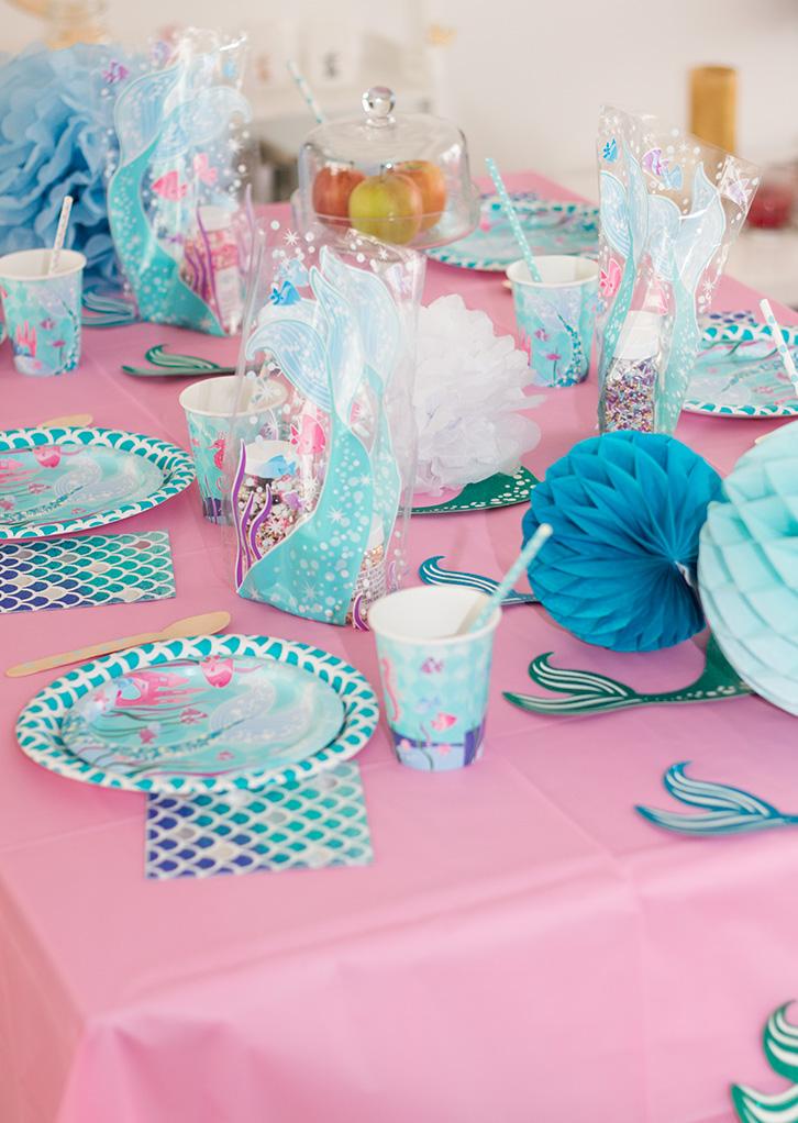 Table de fête ou d'anniversaire sur la thème sirène